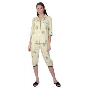 Two-Piece cute sleepwear / Nightsuit Capri Set featuring 3/4th sleeve top and Capri pants for relaxed fit(SC-Pj-Capri-20201D)