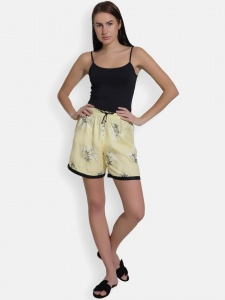 Cute sleepwear / Night Shorts featuring Shorts for relaxed fit(SC-shorts-20202C)/YELLOW